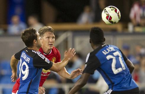 Van Gaal lên tiếng chê Schweinsteiger chơi tồi
