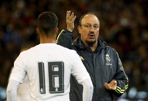 Rafa Benitez 'vá lỗi' cho Real bằng luật 10 mét