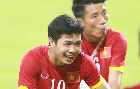 Miura gọi Công Phượng lên đội tuyển, đấu Man City