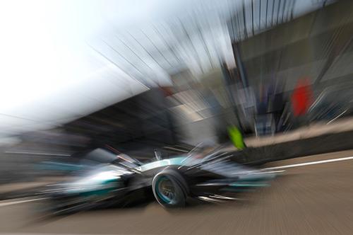 Lewis Hamilton dễ dàng giành pole tại Hungary