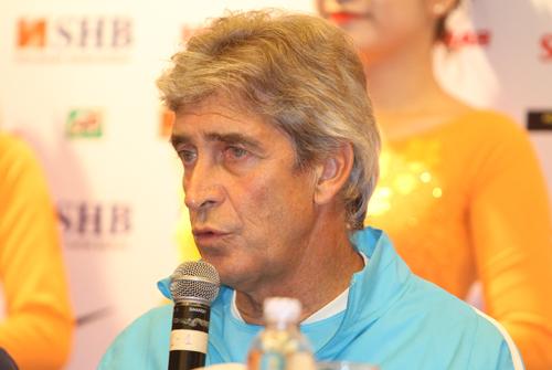 Pellegrini: 'Man City sẽ đá nghiêm túc, hết mình với Việt Nam'