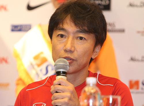 HLV Miura chưa tìm ra cách để gây bất ngờ cho Man City