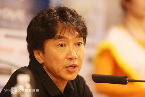 HLV Miura: 'Thua đậm Man City đâu có gì khủng khiếp'