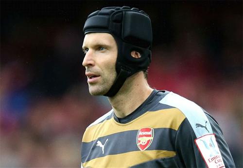 Cầu thủ Arsenal cảm ơn Mourinho vì bán Petr Cech
