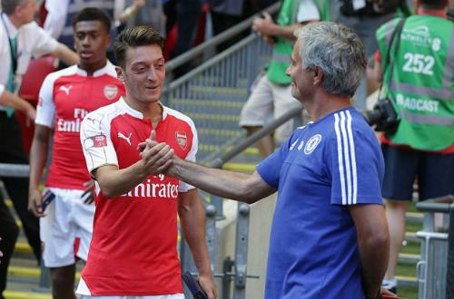 Mourinho: 'Đội chơi phòng ngự đã giành Cup'