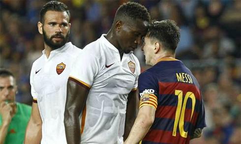 Phó Chủ tịch Barca: 'Messi húc đầu, bóp cổ đối thủ là chuyện bình thường'