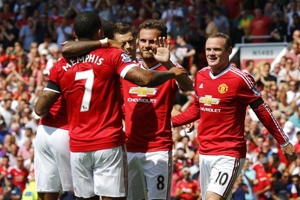 Man Utd thắng trận mở màn Ngoại hạng Anh nhờ bàn đá phản