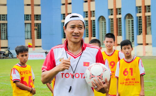 Cựu danh thủ Hồng Sơn: 'Cần đổi tư duy làm bóng đá trẻ'