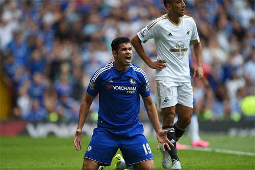 Courtois bị đuổi, Chelsea chia điểm ngày ra quân Ngoại hạng Anh