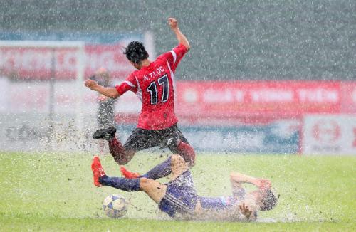 Đà Nẵng đại thắng, Quảng Ninh hạ Hải Phòng ở V-League 2015