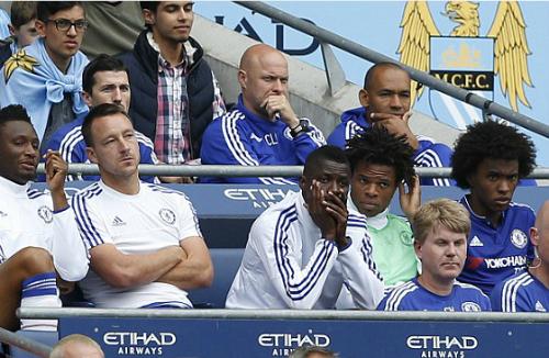 Terry lần đầu bị Mourinho thay ra ở Ngoại hạng Anh