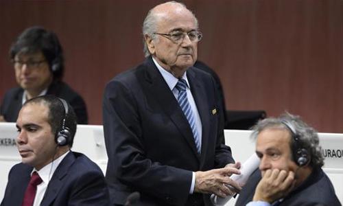 Sepp Blatter: 'Platini lấy án tù ra dọa tôi'