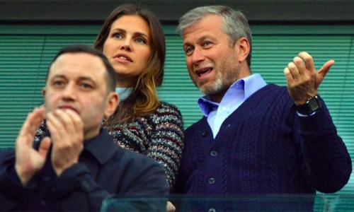 Vợ Abramovich phẫn nộ vì Mourinho loại bác sĩ Carneiro