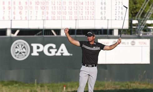 Jason Day nghẹn ngào khi vô địch US PGA