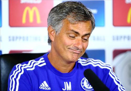 Mourinho: 'Chelsea không tranh giành cầu thủ với Man Utd'