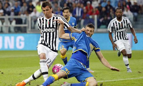Juventus thất bại trong trận mở màn Serie A