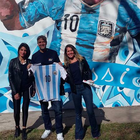 Trường cũ tặng món quà ý nghĩa cho Messi