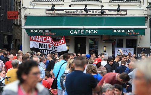 CĐV Man Utd và Brugge hỗn chiến, 45 người bị bắt
