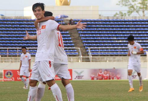 U19 Việt Nam rộng cửa vào bán kết sau khi đè bẹp U19 Singapore