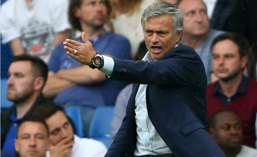 Mourinho cảnh cáo cầu thủ Chelsea: 'Tiến bộ hoặc ra đi'