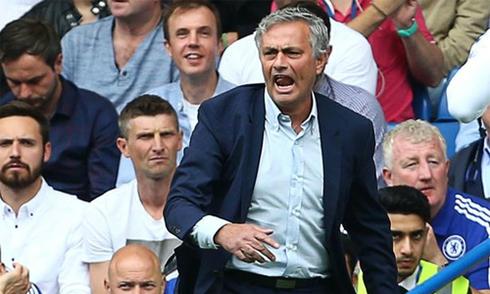 Mourinho trách Hazard sau khởi đầu tệ nhất 44 năm của Chelsea