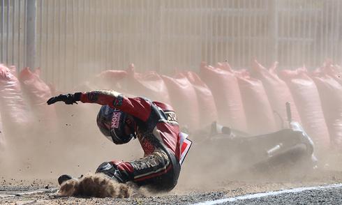 Tai nạn hàng loạt tại giải đua môtô ở Cần Thơ