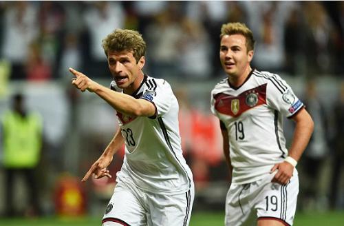 Đức hạ Ba Lan, lên đầu bảng vòng loại Euro