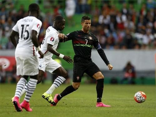Ronaldo tịt ngòi, Bồ Đào Nha thua Pháp ngay trên sân nhà