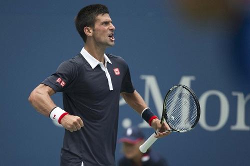 Djokovic vào vòng bốn, bắt đầu lộ sai sót