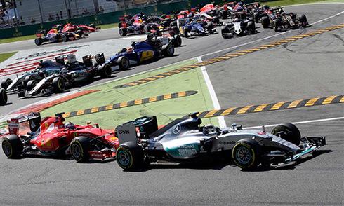 Hamilton về nhất, Mercedes buồn vui lẫn lộn tại Monza