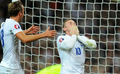Rooney vượt Charlton, độc chiếm kỷ lục ghi bàn ở tuyển Anh