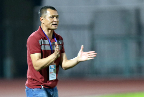HLV Ngô Quang Trường: 'Bóng đá quan trọng nhất là chiến thắng'