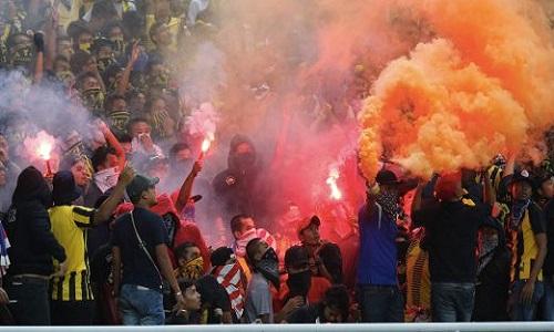 CĐV Malaysia đánh người, làm loạn ở vòng loại World Cup