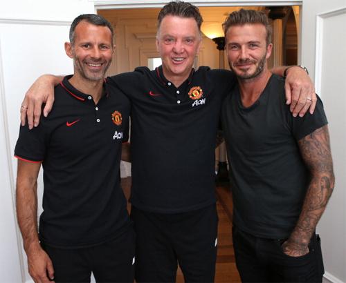 Báo Anh muốn Giggs và Beckham lên thay Van Gaal