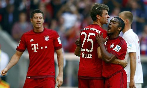 Bayern vất vả ngược dòng, Dortmund giữ ngôi đầu Bundesliga