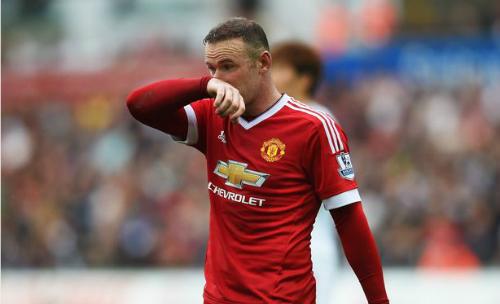 Rooney chấn thương, lỡ đại chiến với Liverpool