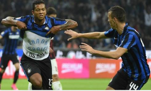 Inter đánh bại Milan, độc chiếm ngôi đầu Serie A