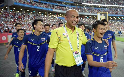 Thái Lan lục đục nội bộ trước trận gặp Việt Nam