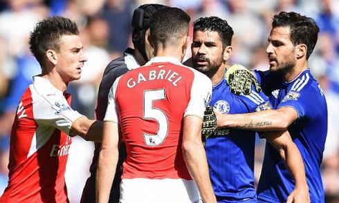 Wenger: 'Costa không bị đuổi là nỗi hổ thẹn'