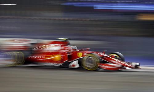 Ferrari phá thế độc tôn của Mercedes tại vòng phân hạng