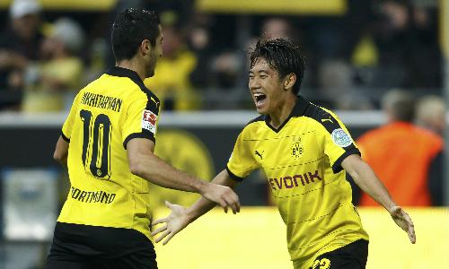 Dortmund thắng trận thứ 11 liên tiếp, đòi lại ngôi đầu từ Bayern