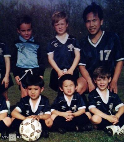 Lee Nguyễn từng luyện chung lò đào tạo với Clint Dempsey