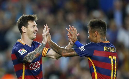 Messi lập cú đúp, Barca tái chiếm vị trí số một