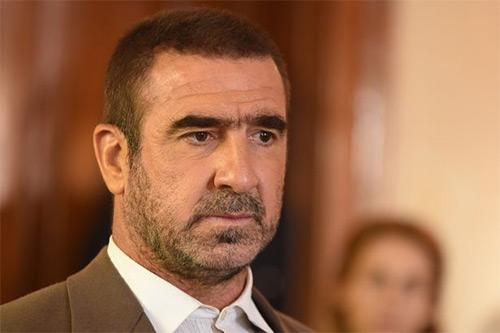 Eric Cantona cam kết cưu mang người tị nạn trong hai năm