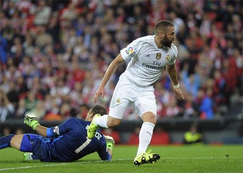Người hùng Benzema giúp Real soán ngôi đầu Liga