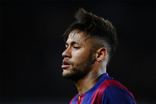 Dính cáo buộc trốn thuế, Neymar bị phong tỏa tài sản