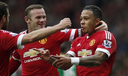 Man Utd thắng tưng bừng, lên đỉnh bảng