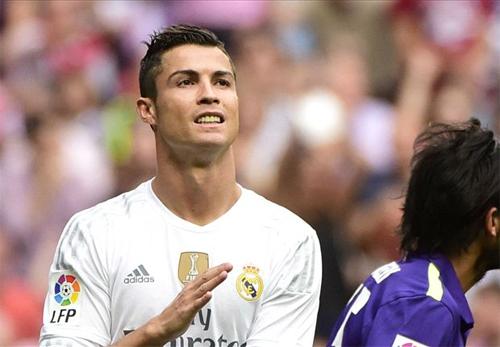 Ronaldo tịt ngòi trận thứ ba liên tục, Real mất vị trí dẫn đầu