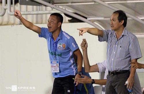 bau-duc-bi-len-an-o-le-tong-ket-v-league-2015