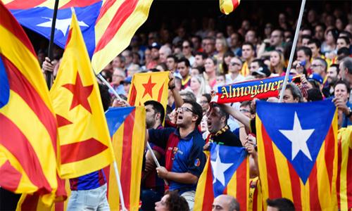 La Liga và Barca: Sao nỡ làm khổ nhau